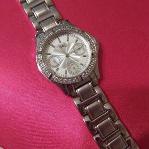 Diaminique NWOT watch
